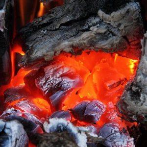 Tűzelő anyagok