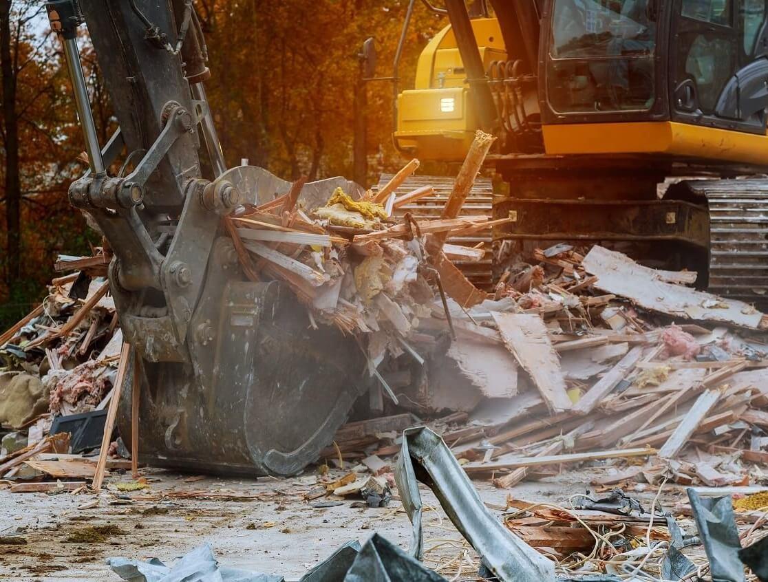Gépi földmunka, bontás, betontörés, tereprendezés és bontás elszállítással